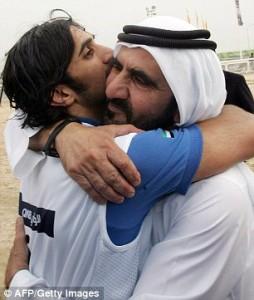 2C7ED7D700000578-3240937-Close_Dubai_ruler_Sheikh_Mohammad_bin_Rashed_Al_Maktoum_right_hu-m-44_1442672070836