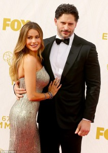 2C926D7200000578-3242836-Hungry_night_On_the_red_carpet_Sofia_remarked_that_fiance_Joe_Ma-m-139_1442810619106