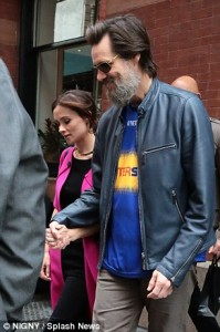 2CE758AC00000578-3253642-Carrey_and_the_Irish_make_up_artist_first_met_in_2012_but_broke_-m-57_1443546434206