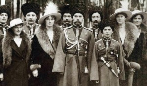 The-Romanov-Family-in-Traditional-Russian-Uniform-anastasia-romanov-18577671-760-444