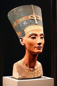 Nefertiti-Bust-2