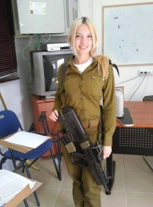 israeli_army_girls_that_are_real_beauties_in_uniform_640_11