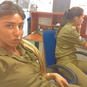 israeli_army_girls_that_are_real_beauties_in_uniform_640_20