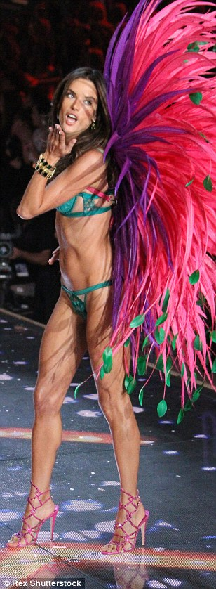 2E51E89800000578-3312676-A_kiss_from_an_angel_Alesandra_looks_ready_for_Carnival_in_a_nod-a-26_1447246961298