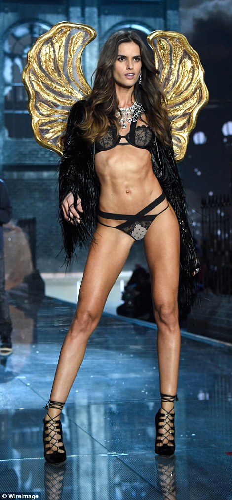 2E534E4200000578-3312676-She_s_got_the_booty_Brazilian_Izabel_Goulart_was_a_dark_angel_in-a-25_1447251514624