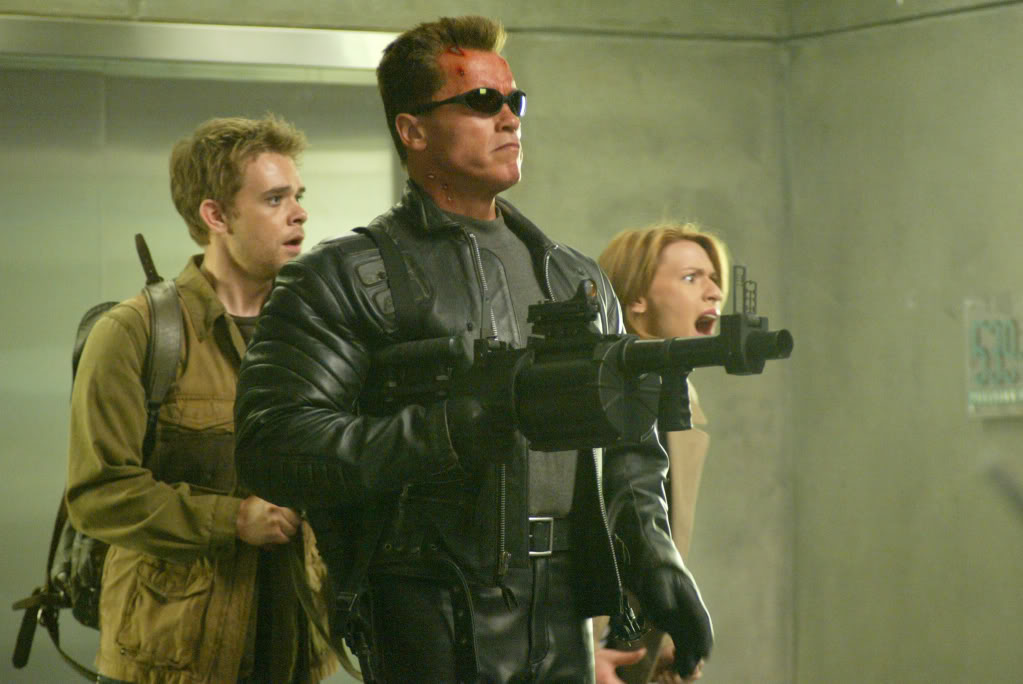 "(L-r) NICK STAHL, ARNOLD SCHWARZENEGGER and CLAIRE DANES in the futuristic action thriller ""Terminator 3: Rise of the Machines,"" distributed by Warner Bros. Pictures. PHOTOGRAPHS TO BE USED SOLELY FOR ADVERTISING, PROMOTION, PUBLICITY OR REVIEWS OF THIS SPECIFIC MOTION PICTURE AND TO REMAIN THE PROPERTY OF THE STUDIO. NOT FOR SALE OR REDISTRIBUTION"