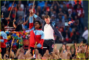 coldplay-super-bowl-halftime-show-2016-video-01