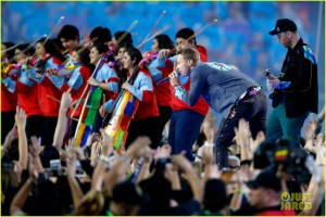 coldplay-super-bowl-halftime-show-2016-video-08