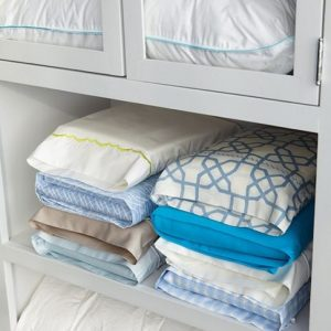 18417915-50-genius-storage-ideas-all-very-cheap-and-easy-great-for-organizing-and-small-houses-pillow-1477562156-650-f6e57a6ed7-1477575262
