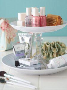 18418065-feminine-bathroom-accessories-1477557640-650-87c5fa3b00-1477575262